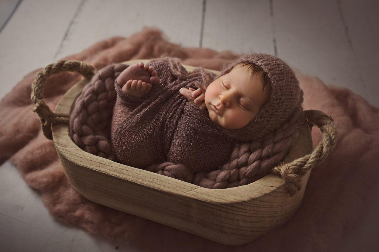 reportaje de recien nacido book bebes vintage fotografia toni lara scaled